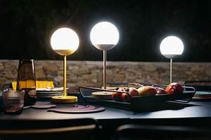Lampe Anschließen 2 Kabel Ohne Farbe : mooon led h 41 cm mit usb ladekabel fermob lampe ohne kabel ~ Orissabook.com Haus und Dekorationen