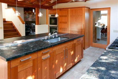 kitchen with laminate flooring 1000 ideas about cherry wood kitchens on 6525