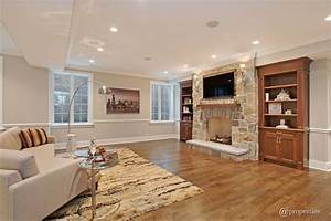 Traditional Living Room With Built In Bookshelf Crown