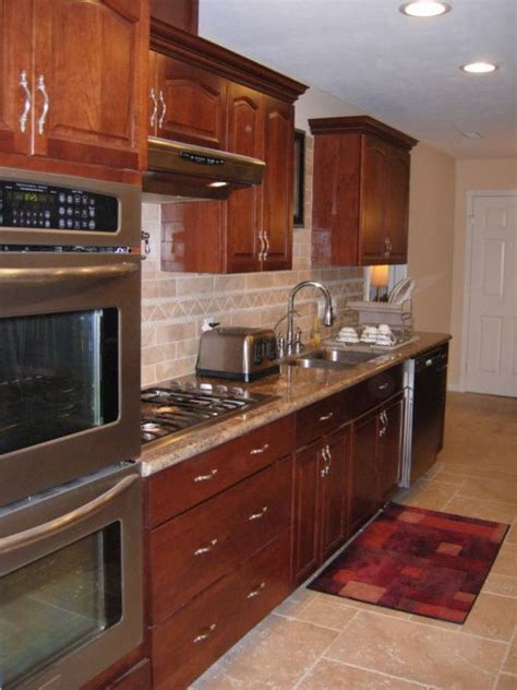 whats a color for a kitchen 13 best kitchens with oak cabinets images on 2167