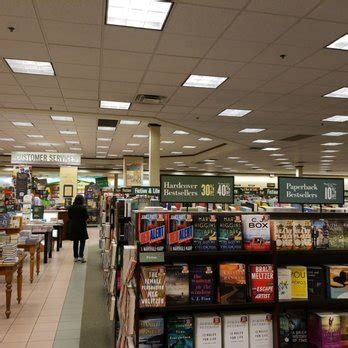 barnes and noble columbus ohio barnes noble 20 reviews bookshops 1739 olentangy