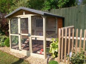 Build Your Own Rabbit Hutch and Run