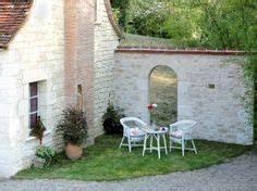 Murs en beton sur pinterest mobilier en beton for Amazing amenagement jardin avec pierres 15 parement mur exterieur 1