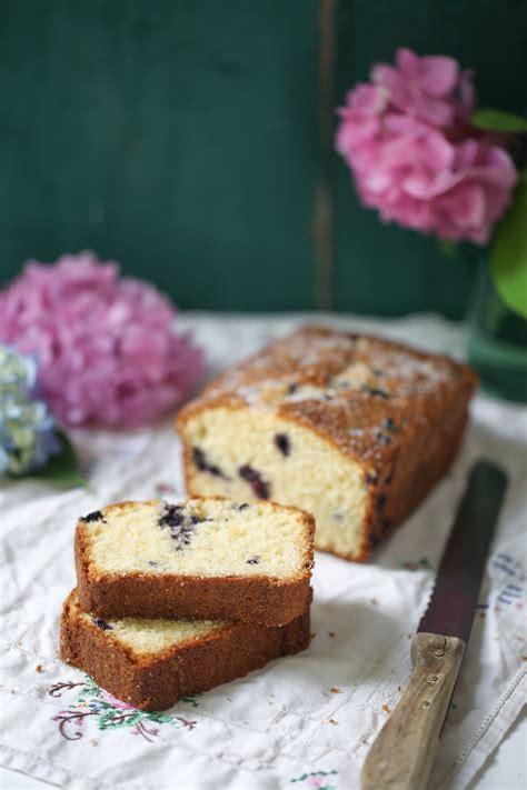 Kuchen Mit Kastenform Und Kirschen Rezept Für Polentakuchen Mit Kleinen Heidelbeeren Der