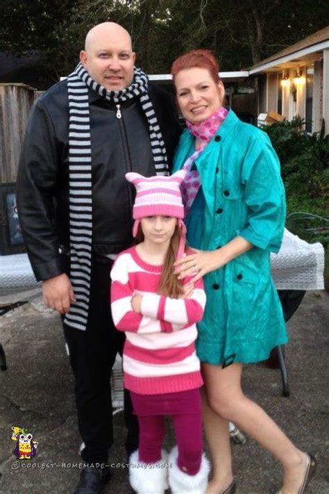 despicable me family costume idea wilde and family