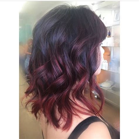 wavy shoulder length hair  chunky layers  red