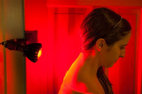red light therapy session the peak 630 red led light therapy set red light therapy