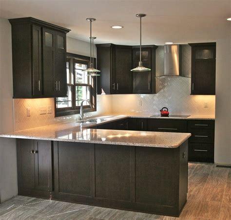Backsplash Ideas With Cabinets by Herringbone Backsplash Kitchen In 2019 Kitchen Ideas