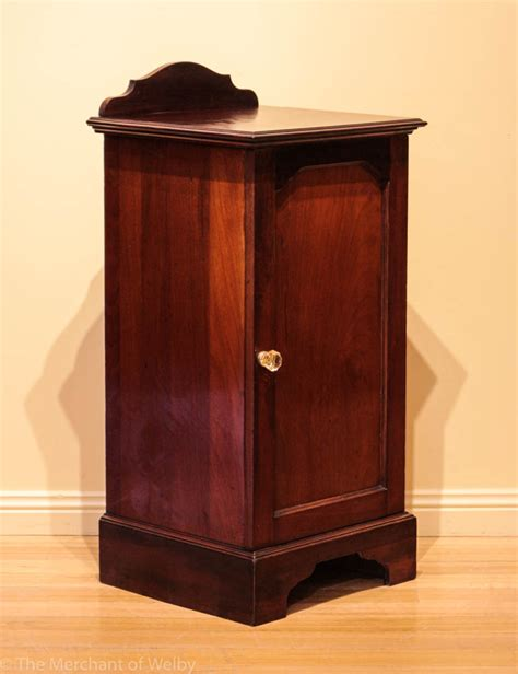 mahogany bedside cabinets early 20th century mahogany bedside cabinet the merchant 3942