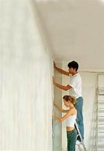 Tapezieren Für Anfänger : richtig tapezieren gestalten sie ihre w nde mit neuen tapeten diy ~ Orissabook.com Haus und Dekorationen