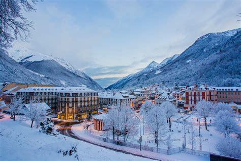 hotel cauterets dans les pyr 233 n 233 es au pied des pistes de ski