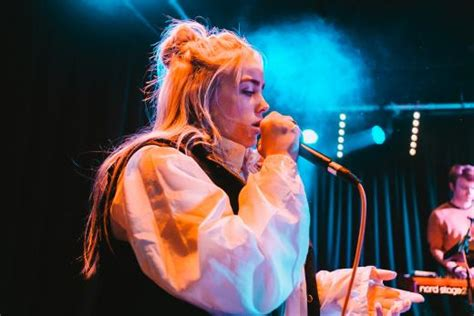 Billie Eilish Pop's Most Impressive 15 Year Old Live In