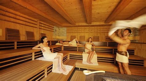 Feucht In Der Sauna by The 2018 Masters Tournament Reed Wins
