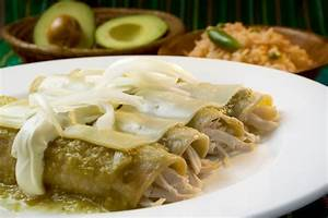 Chicken and Cheese Enchiladas Verdes (Enchiladas Verdes de ...