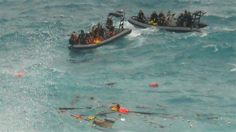 Refugee Boat Crash Christmas Island by Islander Frustrated At Navy Response Time To Christmas