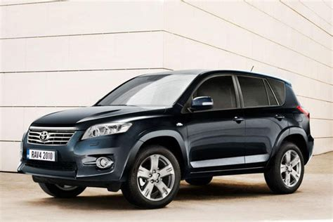 The toyota rav4 is a compact crossover suv (sport utility vehicle) produced by the japanese automobile manufacturer toyota. Toyota RAV4 oogt anders | Auto55.be | Nieuws