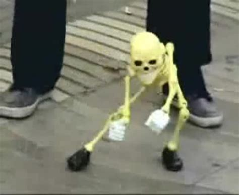 skeleton puppet dancing coub  biggest video meme