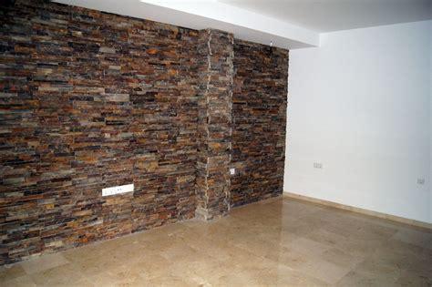 foto pared revestida de piedra artificial de decoreformas