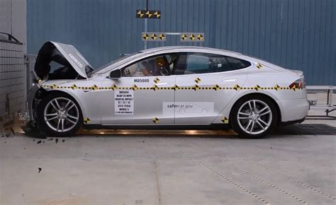 siege auto crash test tesla model s as safest car on sale by nhtsa