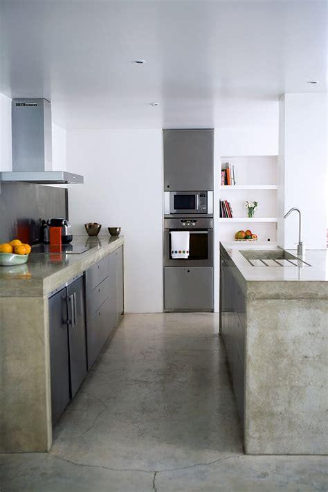 beton sur carrelage cuisine dans la cuisine béton ciré sur carrelage est ce