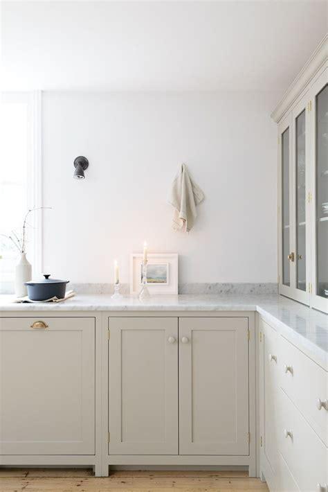 flooring for kitchen cabinets best 25 grey kitchen cupboards ideas on grey 6656