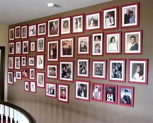 Foto Auf Magnetwand : coole wanddeko eine fotowand mit familienfotos gestalten ~ Sanjose-hotels-ca.com Haus und Dekorationen