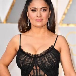 El vestido de Salma Hayek en los Oscar resalta sus ...