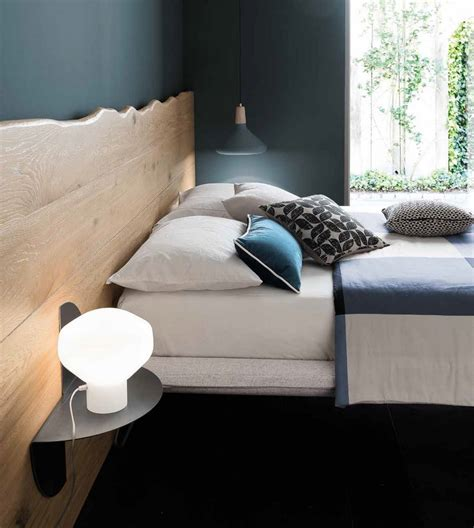 testata letto in legno letto wood di altacorte con testata in assi di legno massiccio