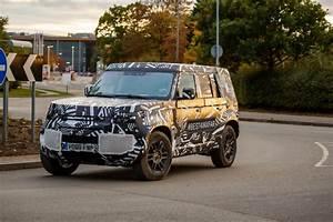 Nouveau Land Rover Defender : le nouveau land rover defender reste carr actualit ~ Medecine-chirurgie-esthetiques.com Avis de Voitures