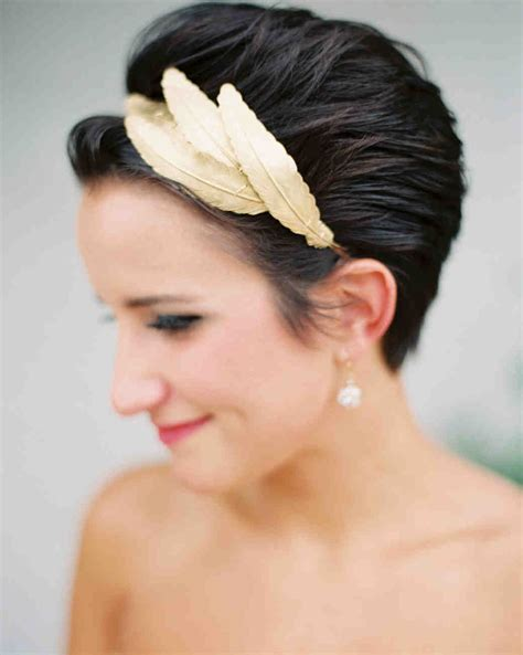Pixie Hairstyles For Wedding by Chic Wedding Hairstyles For Hair Martha Stewart