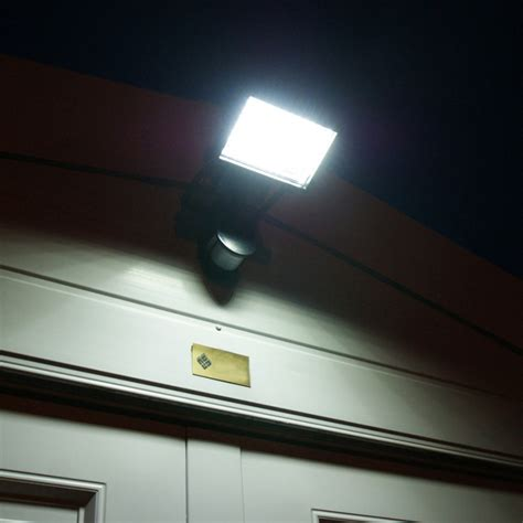 new festive lights 60 bright led solar security