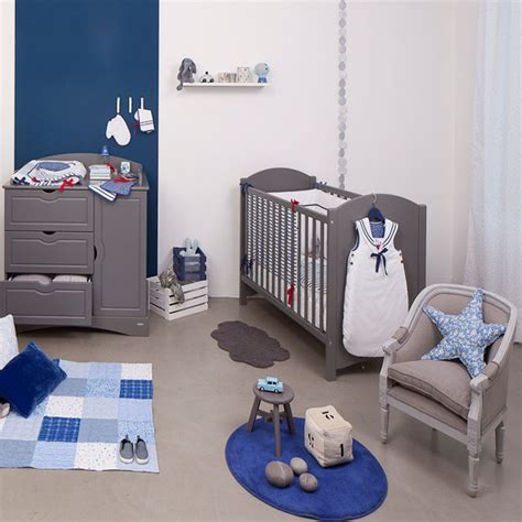 bebe dans chambre des parents 5 matériaux sains pour aménager la chambre de bébé maman