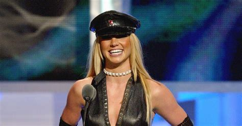 These 11 Britney Spears Outfits You Loved & Now Hate Prove ...