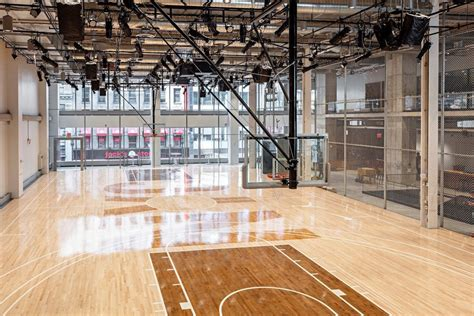 Nike Opens New Nyc Headquarters With Indoor Basketball