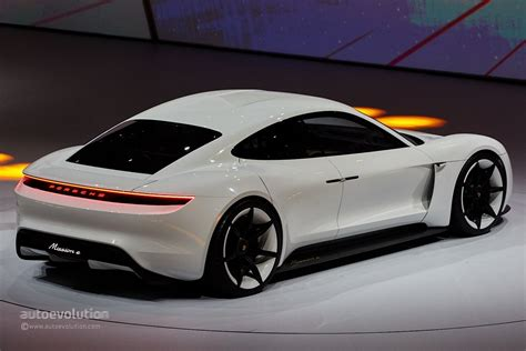 porsche electric mission e porsche mission e concept revealed in frankfurt with 600