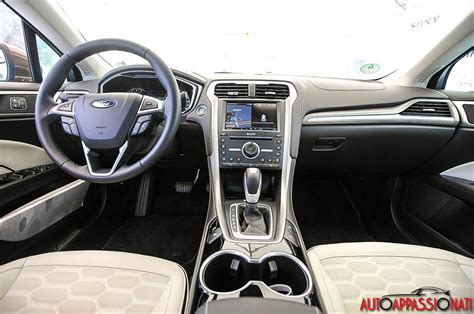 Ford Mondeo Interni by Ford Mondeo Vignale Prova In Anteprima Autoappassionati It