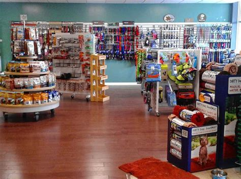natural pet supply store in manlius adds more space