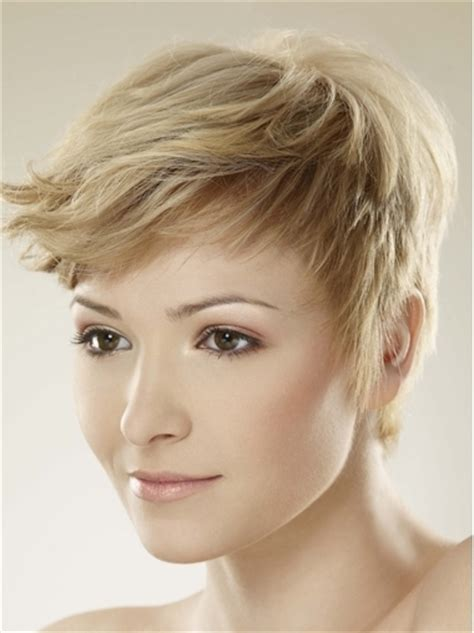 lovely short layered haircuts