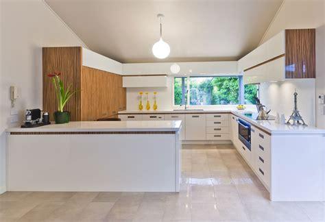 plan de travail de cuisine en quartz 17 light filled modern kitchens by mal corboy