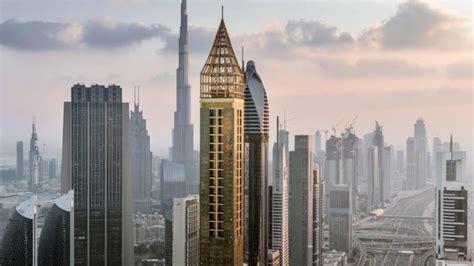 Gevora Hotel Dubai: a decoração em ouro do hotel mais alto ...