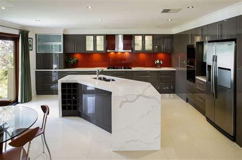 calacatta classique stuns   gorgeous white marble   striking veining transform