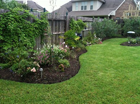 Backyard Privacy Landscaping by I Never Had A Privacy Fence Before But Now We A