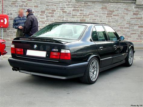 Bmw M5 E34 Car Review