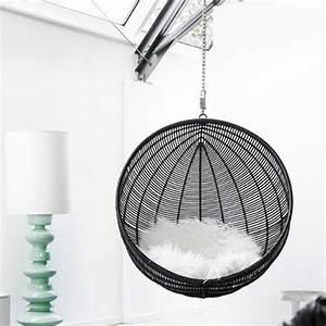 Fauteuil Suspendu Plafond : fauteuil suspendu design cocoon noir pour ma deci de chalbre pinterest fauteuil suspendu ~ Teatrodelosmanantiales.com Idées de Décoration