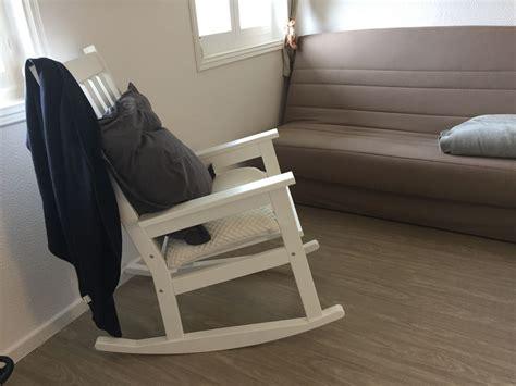 fauteuil pour chambre bébé chambre bébé évolutive pinio collection moon à l honneur
