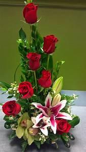 Pflanzkübel Für Rosen : rote rosen f r maus blumen arreglos florales arreglo ~ A.2002-acura-tl-radio.info Haus und Dekorationen