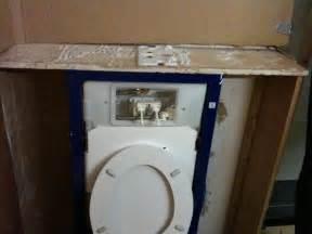 hangend toilet afwerken inbouwreservoir afwerken mdf lakken hoogglans