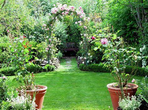 flower planter ideas vondom planters decoration ideas with flower stroovi