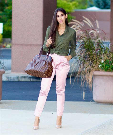 7 Outfit Ideas for Wearing Olive Green This Spring! - The Style Contour