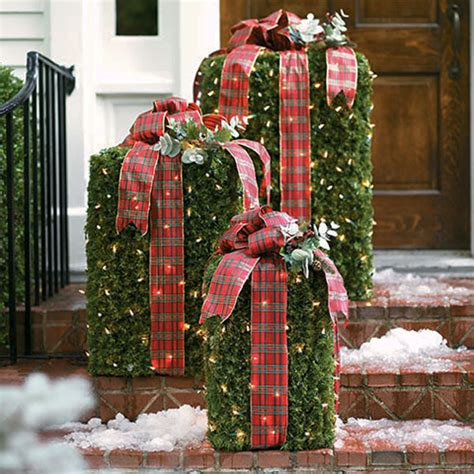 sparkle  creative outdoor christmas decorations